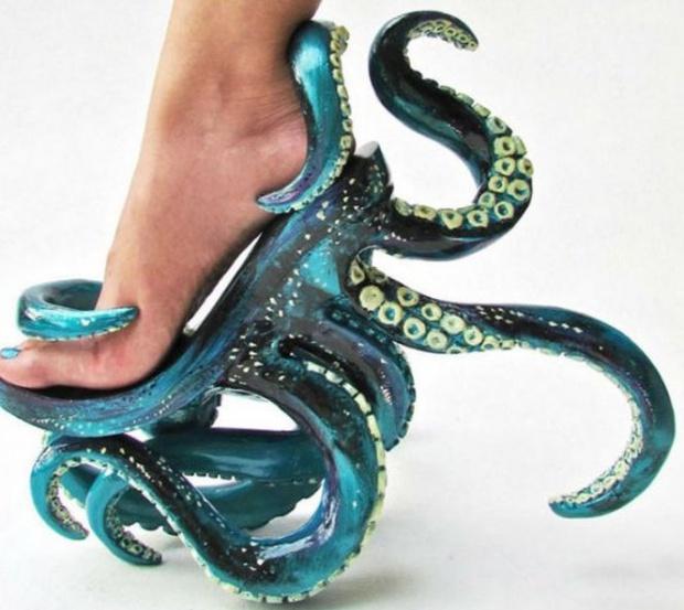 transpun-trairile-oamenilor-in-creatiile-mele-vezi-cea-mai-ciudata-colectie-de-pantofi-313645